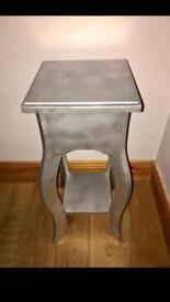 (Sprayed silver) Mexican Pine Plant Table/bedside