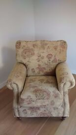 ALSTONS QUALITY FLORAL CHENILLE ARM CHAIR
