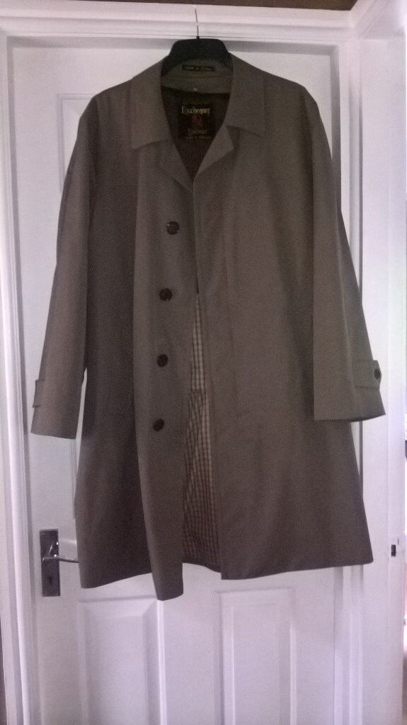 Exchequer mens trench coat/ rain coat.