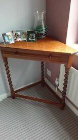 corner table with barley twist legs