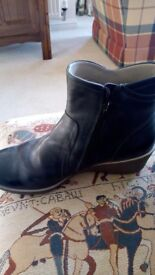 For Sale: Pair of Ladies Ecco Ankle Boots