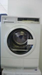54-  Laveuse Sécheuse Frontale 2 en 1 ELECTROLUX 24''  (mini)  2 en 1 Frontload Washer Dryer