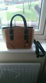 Dorothy perkins tan handbag, new with tag sold out quick