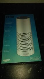 Amazon Echo (white) in perfect condition