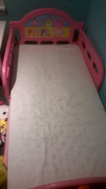 ***Girls Toddler Peppa Pig Bed with Mattress + 3xbed set ***