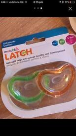 Munchkin latch orthodontic soothers/dummies