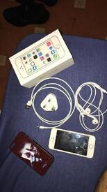 iPhone 5s gold 16gb boxed with headphones and charger