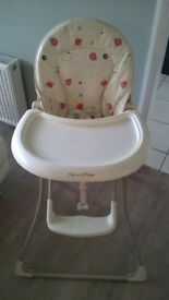 Babies Highchair (mama's & papa's ) folds flat ( exellent condition )