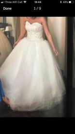Wedding dress with underskirt, veil, tiara, necklace