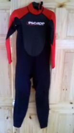 WETSUIT, LONG, SMALL ADULT , 3MM VERY GOOD CONDITION