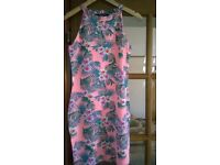 Girls summer dress. Aged 14/15 ( but quite small fitting) . Bought at New Look ( 915).