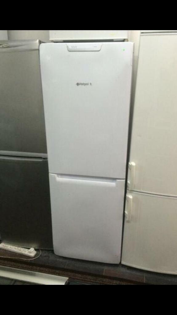 Hotpoint white good looking frost free A-class fridge freezer cheap