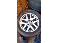 """GENUINE LAND ROVER DISCOVERY 3/4 18"""" FIVE SPOKE ALLOY WHEEL X 1."""