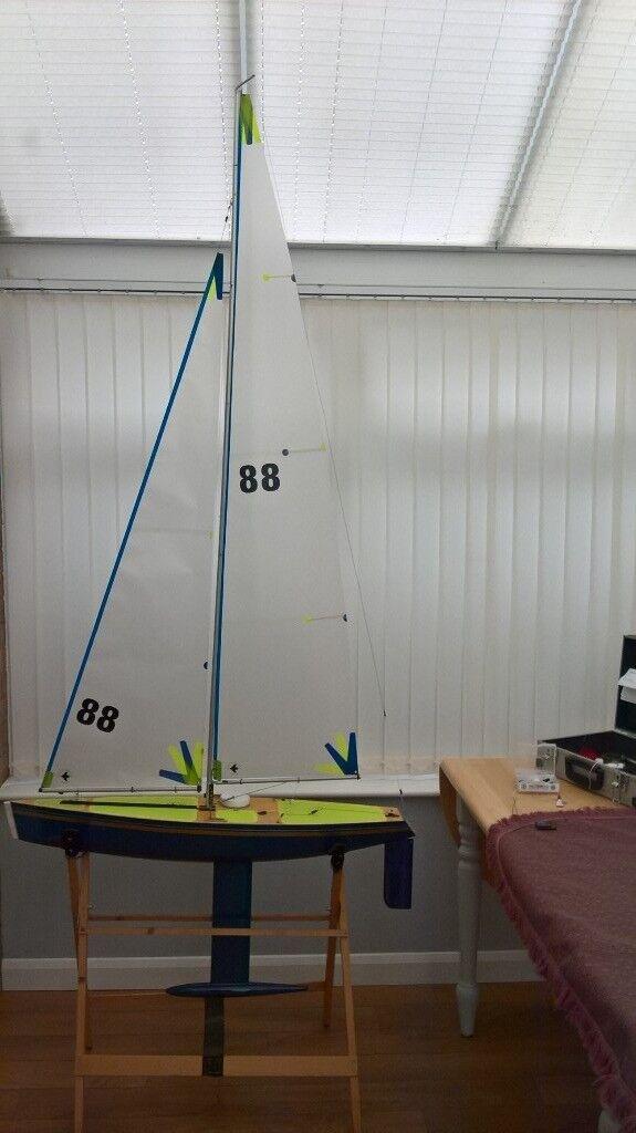 Nimbus III International One Metre IOM Racing Yacht with New Sails | in  Hamble, Hampshire | Gumtree