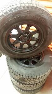 (81) Pneus d'Hiver - Winter Tires 265-70-17 Bridgestone
