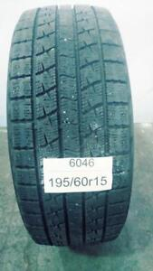 PNEU HIVER USAGÉ / USED WINTER TIRE 195/60R15 19560R15 KUMHO ICE POWER KW21 (1 SEUL DE DISPONIBLE)