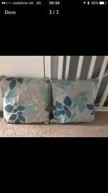 4 cushions