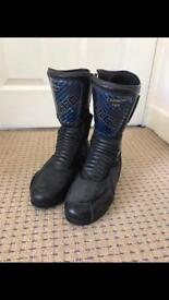 Akito Ladies Motorcycle boots size 5