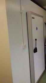 Walk-in chill/coldroom (Polysec) 10' x 8'