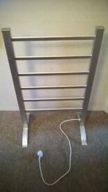 Portable Aluminium Heated Towel Rail with 6 Heated Bars, Silver, 100 W