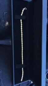 Brand new 9ct gold bracelet