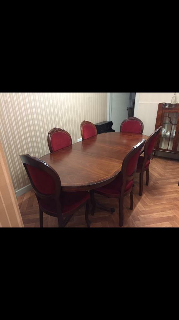 0c8749b4cbc8 Beautiful table and chairs