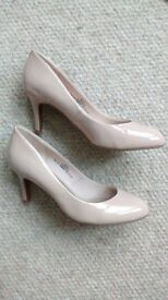 Lovely M&S Nude Heels size 4.5
