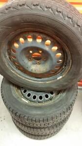 (85) Pneus d'Hiver - Winter Tires 235-65-17 Firestone