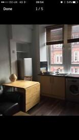 Beautiful fully furnished 1 bedroom flat in Shawlands available from mid January