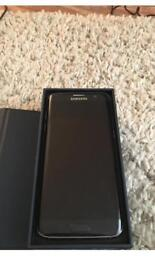 Samsung galaxy s7 edge 32gb unlocked to all networks. Brand new condition