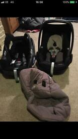 Maxi Cosi car seats x2 £40 for both!