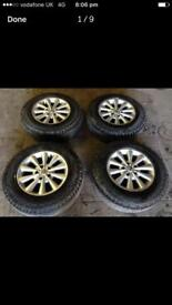 Land Rover alloy wheels with 195 80 15 Hankook