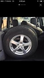 Honda CR-V alloys very good condition with tyres