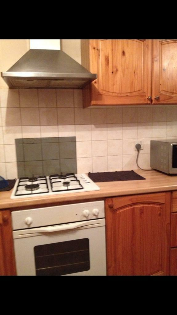 A semi double room for rent very close to Upton Park station zone 2-3/available now
