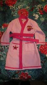 Girls dressing gown. Age 3-4yrs