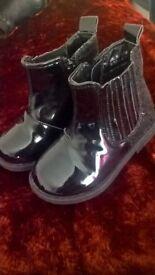 girls size 5 black doc martin style boots