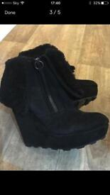 Gorgeous brand new ASH ladies black suede boots which have never been worn. Size 37 (U.K. Size 4),