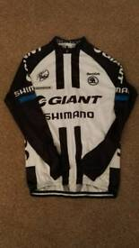 'Giant' cycle jersey