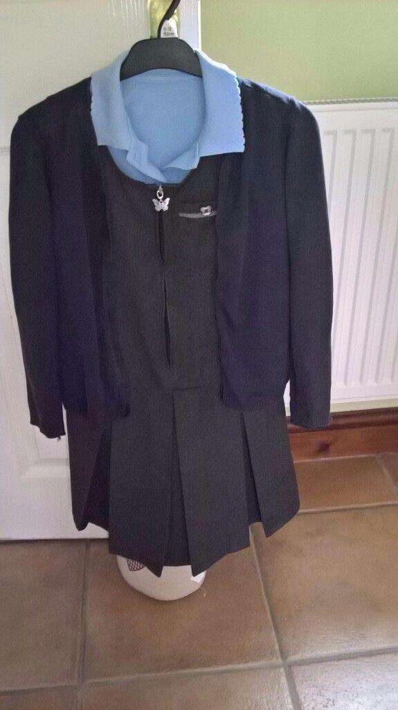 Girls school uniform age 8-9