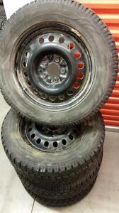 (153) Pneus d'Hiver - Winter Tires 235-60-17 Toyo