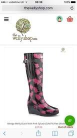 New wedgewelly 'savvy flex' black/pink wellies - size 3