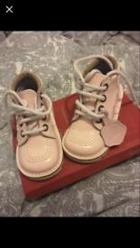Girls size 7 kickers worn once