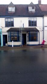 High Street Shop ready to let £100pw Pershore