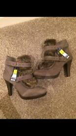 Ladies Boots Size 6.5 Brand New
