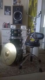 pearl drums-stool-snare stand ,ride/sizzle cymbal-cymbal stand-all good condition