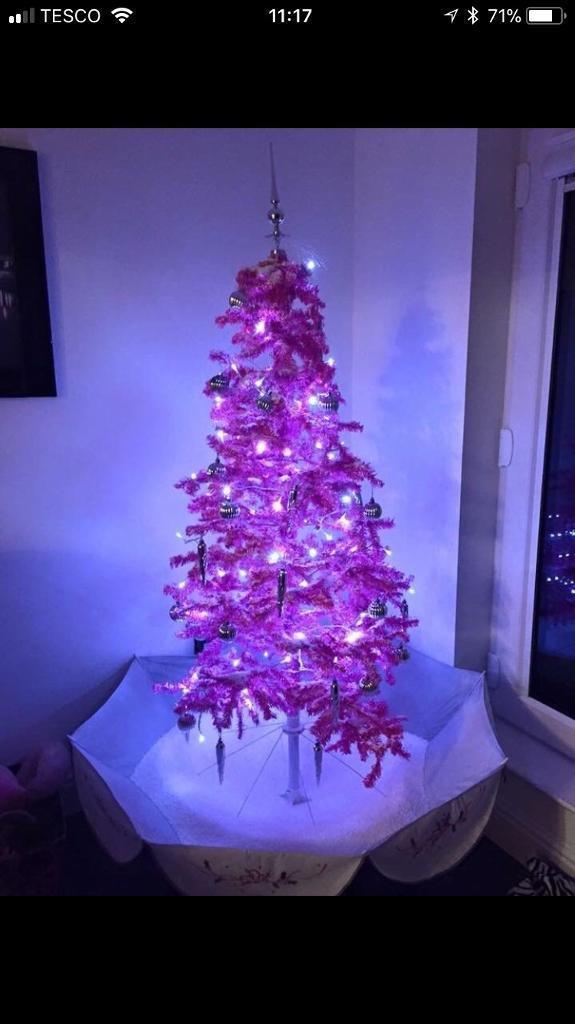 Pink snowing Christmas tree - Pink Snowing Christmas Tree In Renfrew, Renfrewshire Gumtree