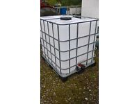 IBC 1000 Litre tank ( diesel water ) storage container ** LIKE NEW **