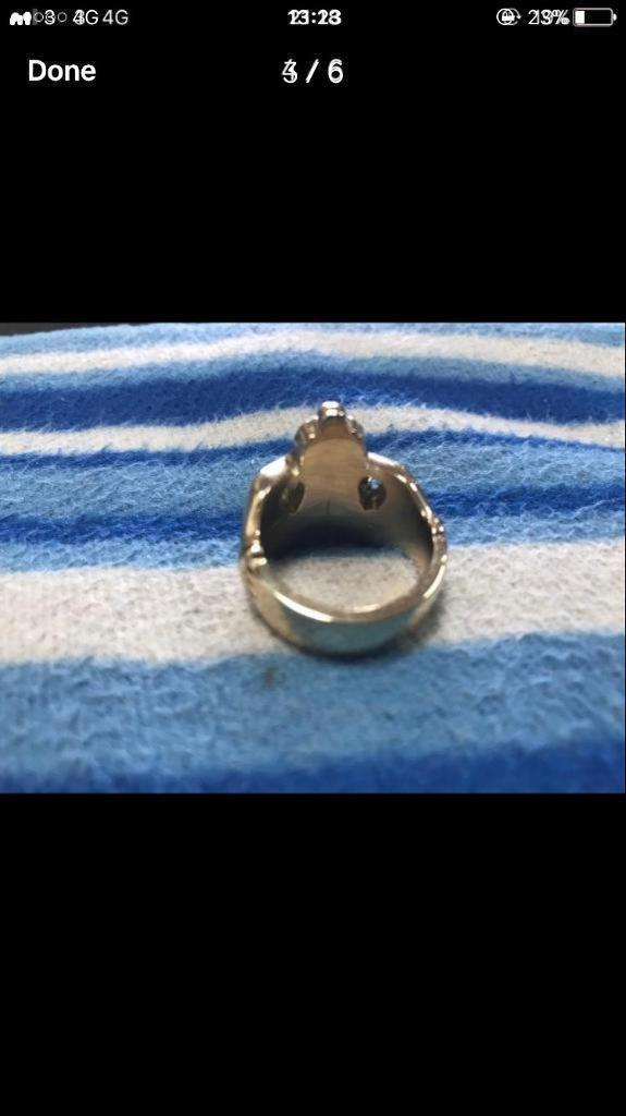 Irish solid 9ct Claddagh ring .