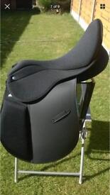 Brand new black English Synthetic 17.5 GP saddle