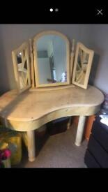 Marble Dresser Table with Mirrors
